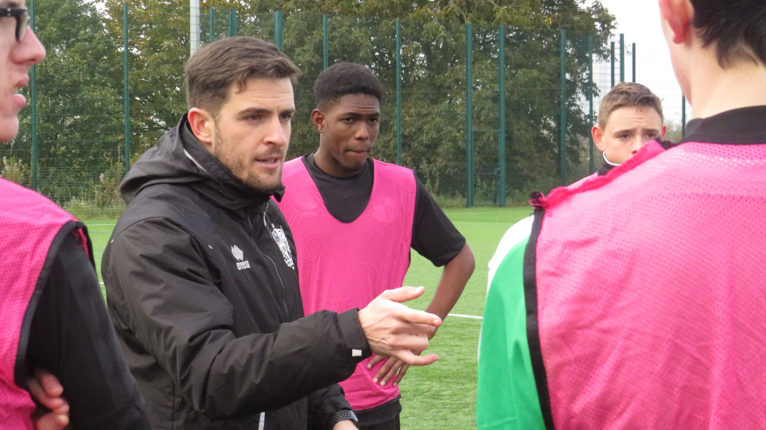 PORT VALE FOOTBALL CLUB SIGN UP TO USW FOOTBALL FOUNDATION DEGREE